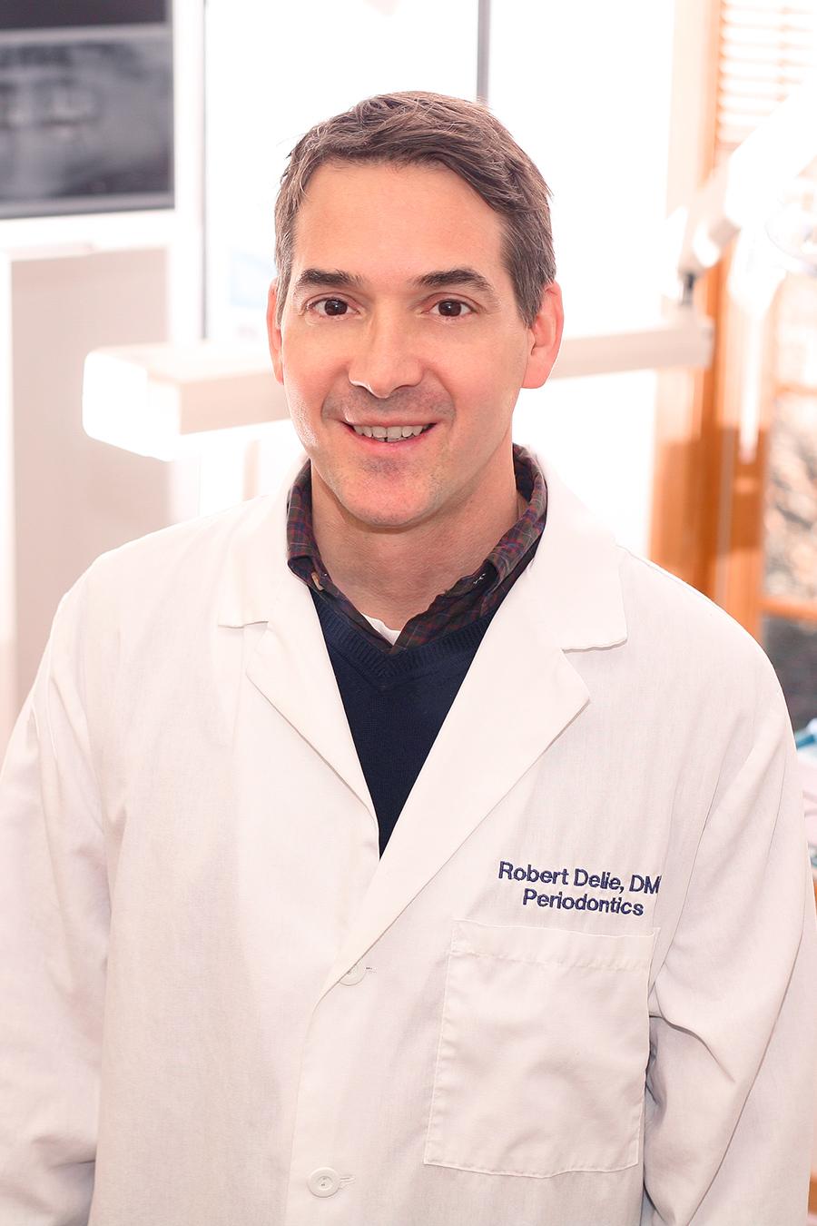 Dr. Robert Delie